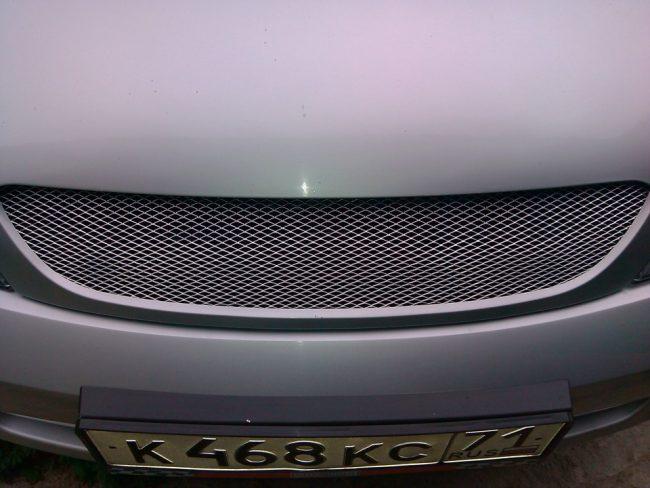 Радиаторная решетка автомобиля