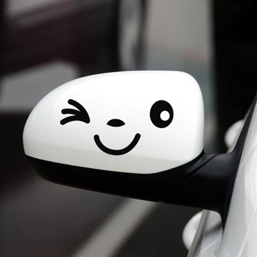 смайлик на белой машине фото затратный