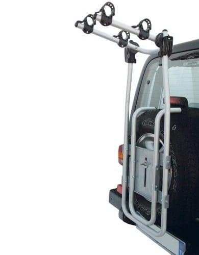 Установка креплений на заднюю часть машины