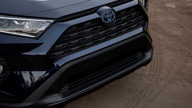Toyota RAV4 бампер