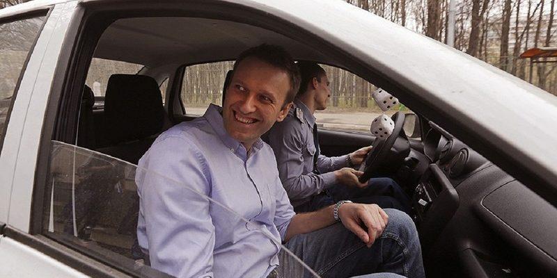 навальный в машине