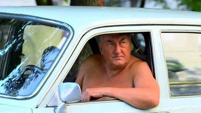 Какая машина у Николая Петровича в сериале Воронины