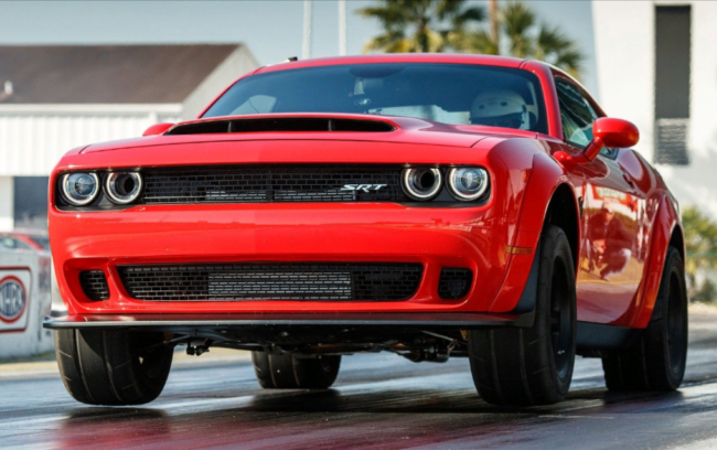 Dodge Challenger SRT Demon, машина Лысого из Браззерс